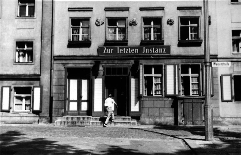 Zur letzten Instanz um 1966